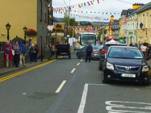 Lisdoonvarna Matchmaking Festival, shows the crowds outside  on the street in Lisdoovarna
